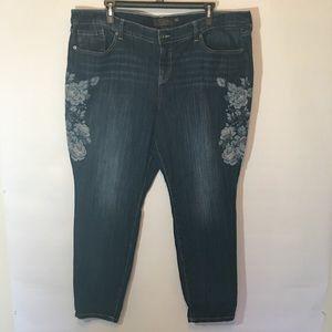 Torrid Premium Jeans w/ floral embroidery Sz26R